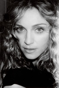 1998_Madonna_by_Mario_Testino_for_Vanity_Fair