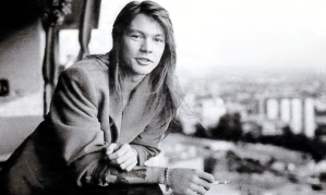 Axl-Rose-80s-wallpaper-axl-rose-32292465-1600-900