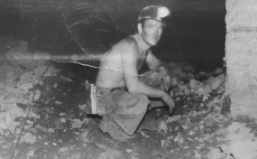 Dennis-Henderson-in-the-Wittenoom-mine-1957-Photo-supplied-by-Roan-Henderson