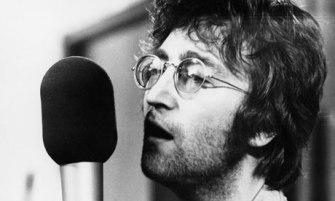 Steinway fan John Lennon recording Imagine