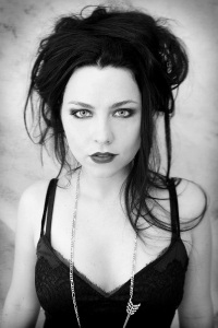 Amy-Lee-evanescence-29646560-600-900