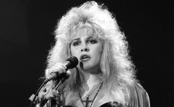 stevie-nicks-1989-2.jpg