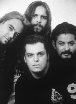 Sepultura-at-the-time-of-Roots-1996-Clockwise-from-top-Andreas-Paolo-Max-Igor.png